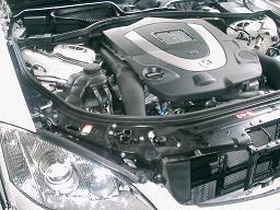 W221のV8エンジン
